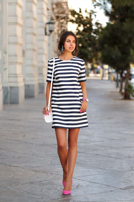 14 Outfits With Striped Dresses + Tips To Find The Right One For You