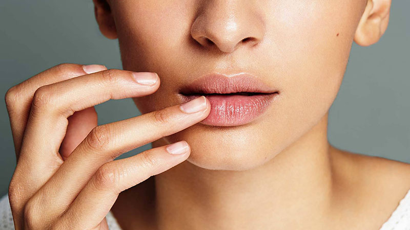 how-to-exfoliate-your-lips