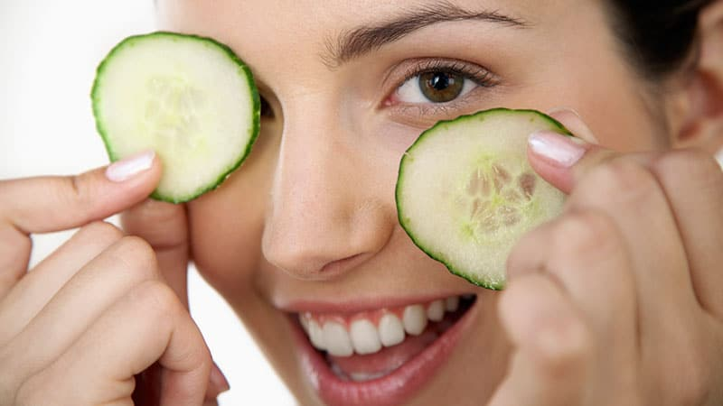 Use Natural Products to Reduce Dark Circles