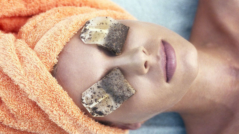 Teabag Treatment for Under-Eye Bags