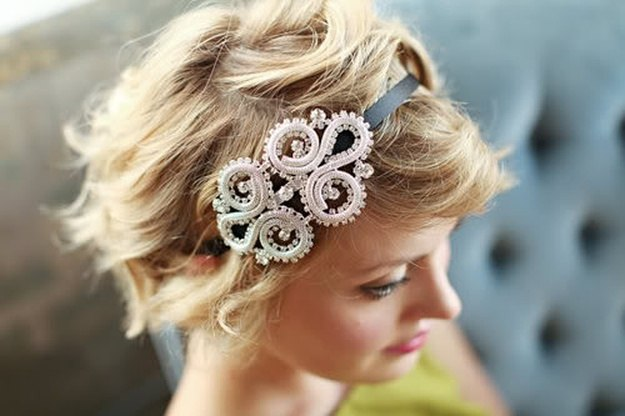 Headbands | Homecoming Dance Hairstyles Inspiration Perfect For The Queen