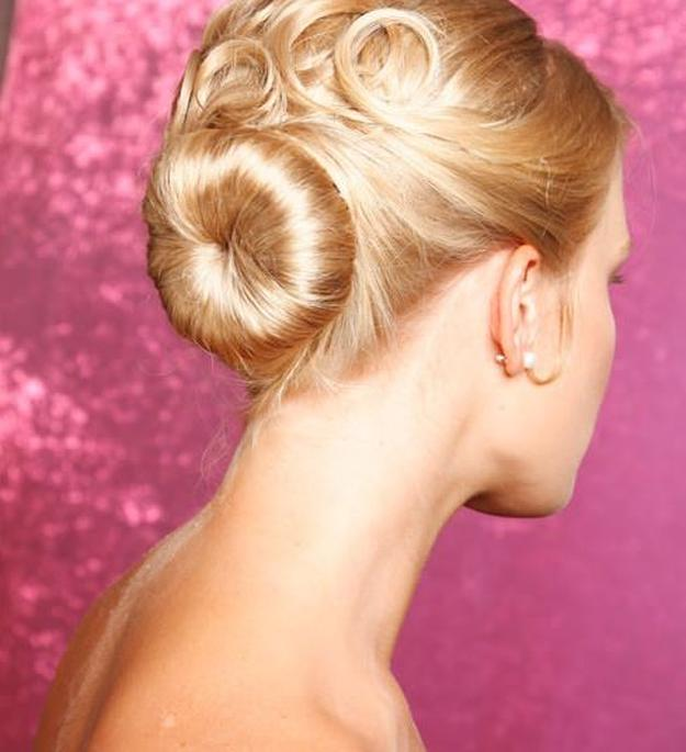 Ballerina Bun | Homecoming Dance Hairstyles Inspiration Perfect For The Queena