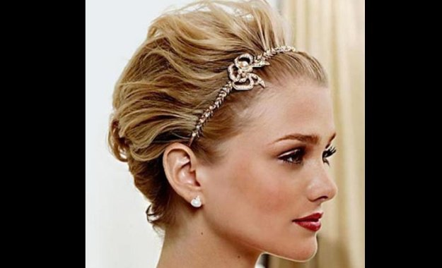 Backswept Waves For Short Hair | Homecoming Dance Hairstyles Inspiration Perfect For The Queen
