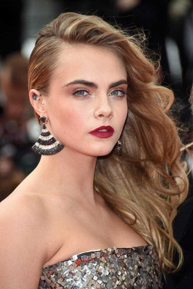 Side Swept Curls   Homecoming Dance Hairstyles Inspiration Perfect For The Queen