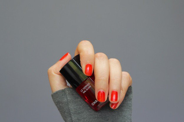 Chanel, La Vernis Nail Gloss in Rouge | 30 Gorgeous Fall Nail Colors You Should Definitely Try