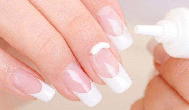 Manicure Hacks | DIY Cuticle Cure | 32 Amazing Manicure Hacks You Should Know | Makeup Tutorials