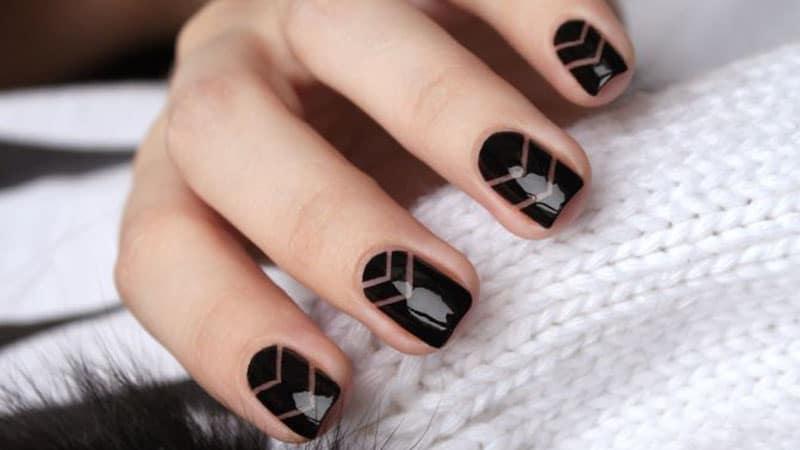 Chic Chevrons- Nail Art