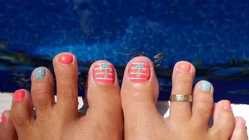 beach toenails