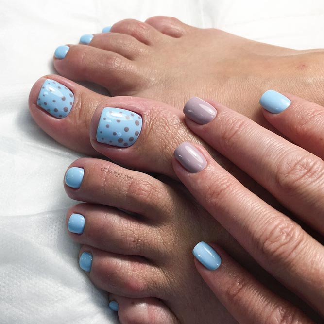 Charming Dotted Nail Designs for Toes picture 2