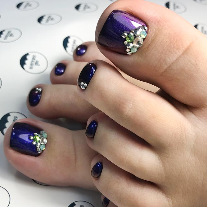 Toe Nail Art Designs with Gems and Rhinestones picture 3