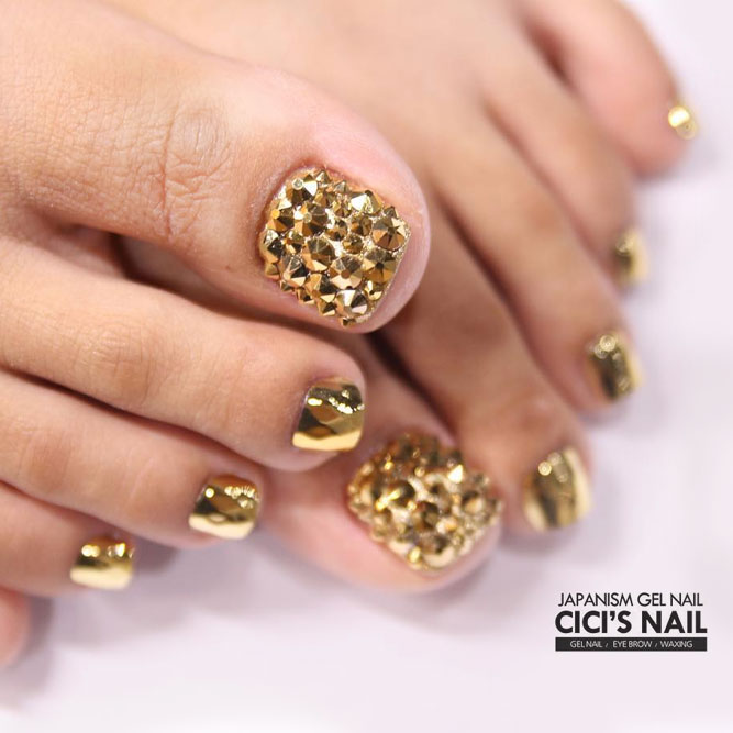 Toe Nail Art Designs with Gems and Rhinestones picture 2
