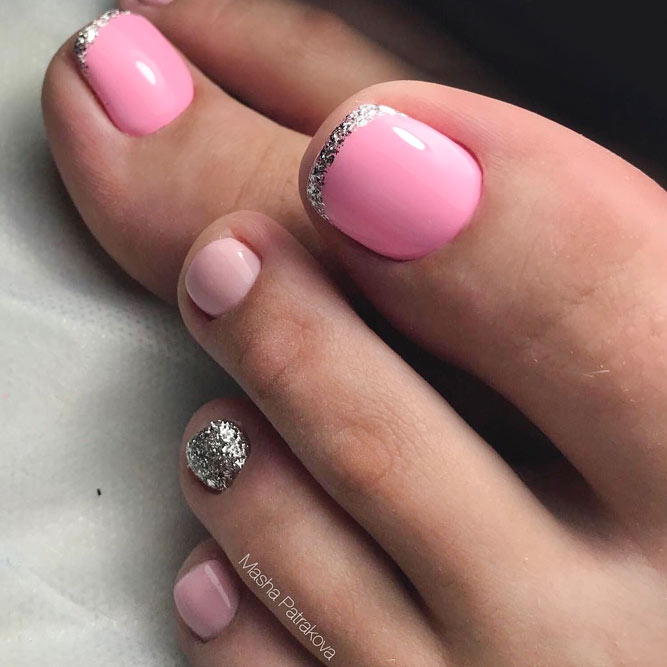 Beautiful Toe Nails with Glitter Accent picture 3