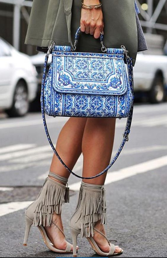 blue purse summer style