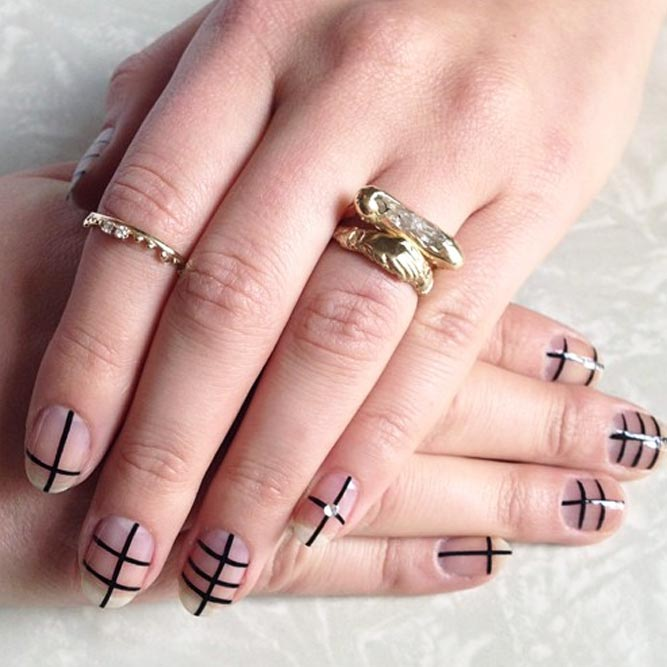 Strict Lines Nail Art