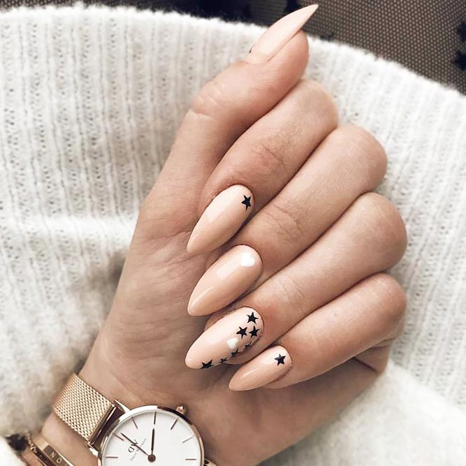 Accent Nail Design with Stars picture 1