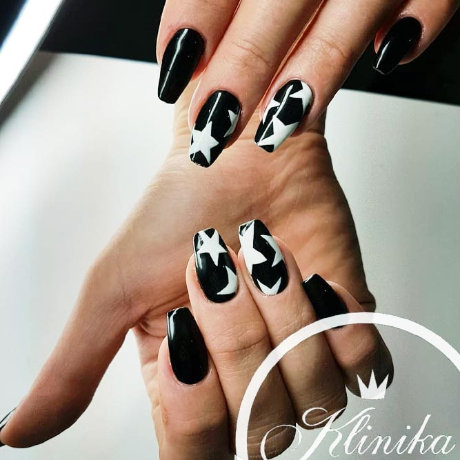Accent Nail Design with Stars picture 2