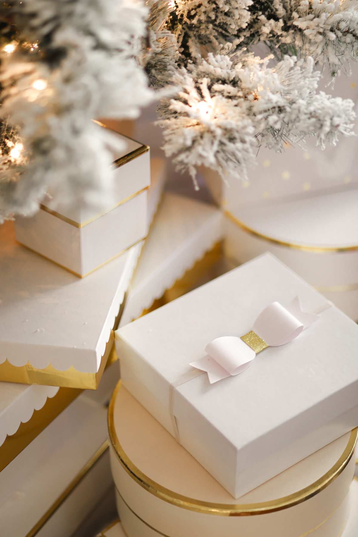 10 easy ways to make extra money for Christmas with TradeMore Mobile by southern blogger Stephanie Ziajka from Diary of a Debutante