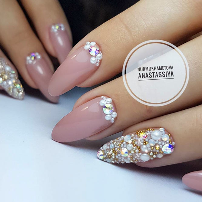 Accent Nails with Rhinestones Elegant Solution picture 1