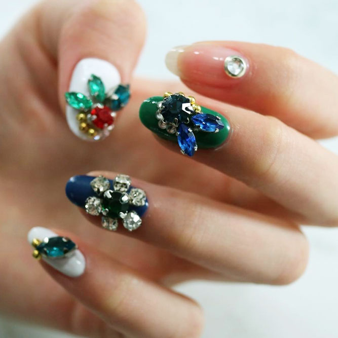Blinding Crystal Nails picture 3