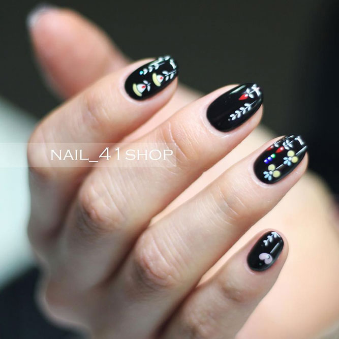 Cute Nail Designs with Fragile Flowers picture 1