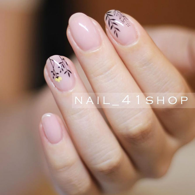 Cute Nail Designs with Fragile Flowers picture 2