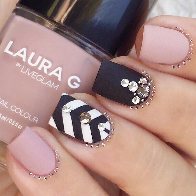 Trendy Matte Nail Art Design