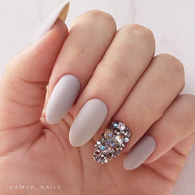 Shining Rhinestone Accent For Adorable Mani