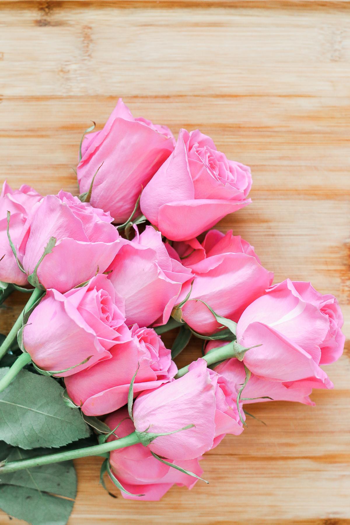 DIY rose sugar scrub recipe made with white sugar, coconut oil, rose essential oil, and fresh rose petals by southern blogger Stephanie Ziajka from Diary of a Debutante, DIY sugar scrub recipe, diy sugar body scrub, diy sugar scrub gift, best diy sugar scrub