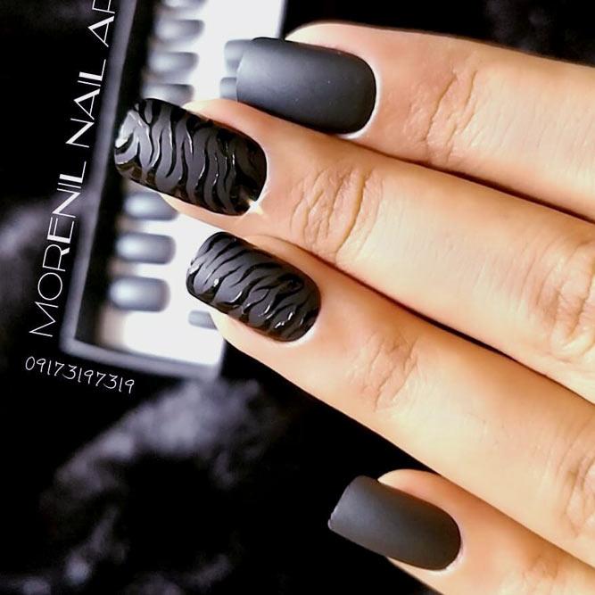 Gorgeous Combination Of Matte Black Nails And Gloss Zebra Stripes #blacknails #stripesnails #squarenails #mattenails
