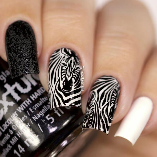 Rock Contrasting Colors With Zebra Nail Design #blackandwhitenails #stripesnails #squarenails #longnails