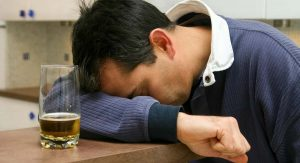 5 Undeniable Signs of Drinking Too Much Alcohol