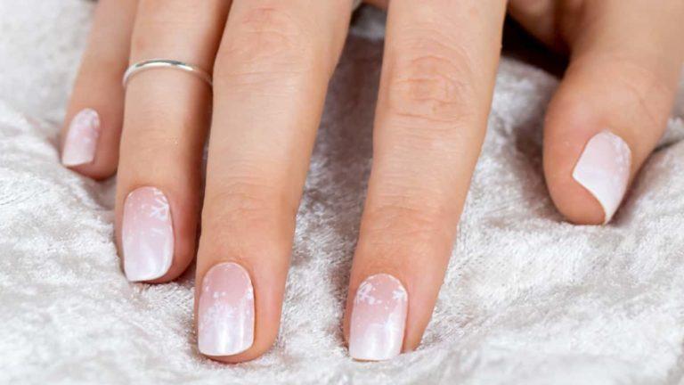 Yvett Evening Snowfall Nail Design