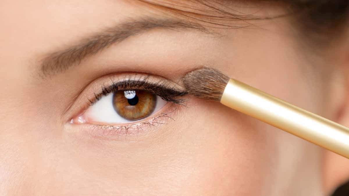 How To Apply Eye Shadow Primer